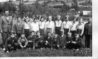 Michal Stanič so svojimi žiakmi - školský rok 1963/1964