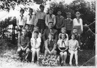 Michal Stanič so svojimi žiakmi - školský rok 1973/1974