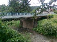 drevený most bol zrekonštruovaný v roku 1986, drevo bolo nahradené železnou konštrukciou a betónovými piliermi