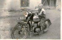 prvý motocykel v dedine - rok 1956