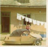 v dedine bol aj motomobil Velorex, mal tri kolesá - dve vpredu a jedno vzadu
