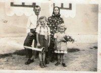obyvatelia - rodina Skleparjova