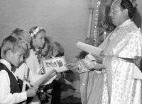 prvé sväté prijímanie s otcom duchovným Baranikom