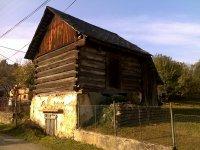 sypanec s pivnicou - stará hospodárska budova